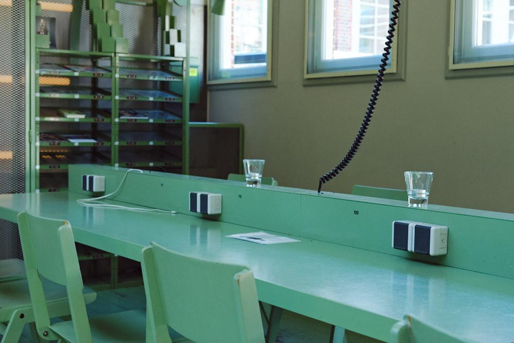 Stamtafel bij flexwerklocatie Kanarieclub Amsterdam (Tessa Wiegerinck(